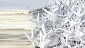 <p><strong><u>12 meses de recogidas programadas de 2 contenedores de PAPEL al mes: 144€ (iva incluido):</u></strong></p><p>Ustedes depositan sus documentos a destruir en nuestros contenedores (370x270x1000) y se acuerda un día o semana al mes para vaci