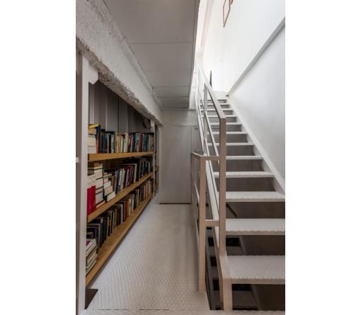 Escalera con librería - Standal
